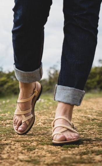 Sandale artiasanale cuir